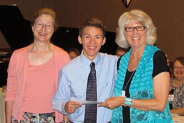 Matthew VanRissenghem receives scholarship